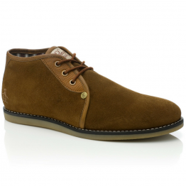 bota marrón de piel